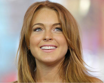 LINDSAY LOHAN'S LOOK-ALIKE GOES VIRAL ON TIKTOK!
