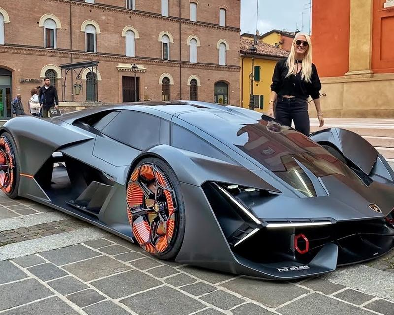 The Lamborghini From the Future with Supercar Blondie