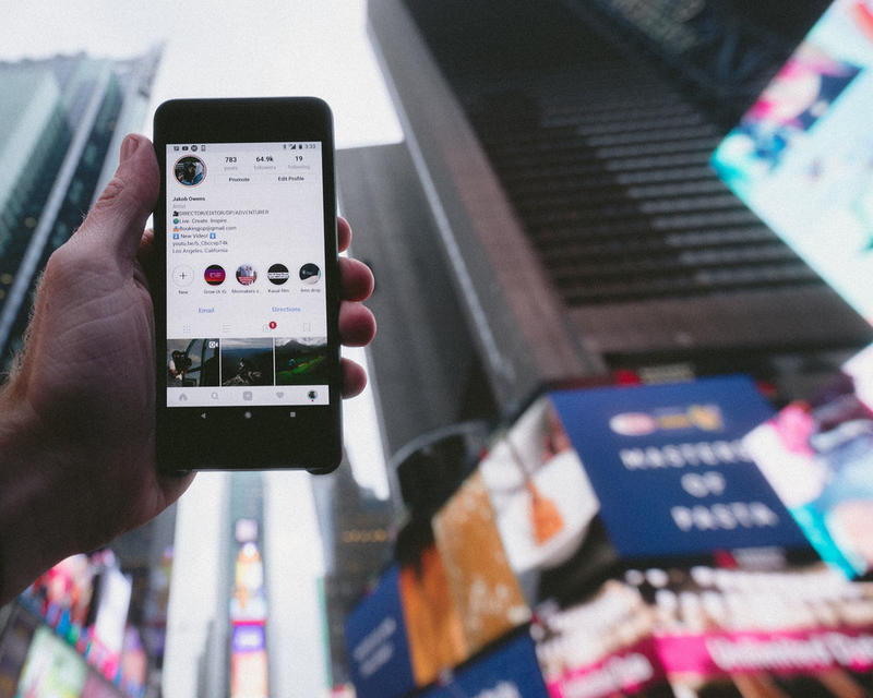 Instagram Will Soon Roll Out Collaborative Group Stories